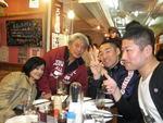 楽しく談笑する中川さん、ウッチー、森田さん&マミー